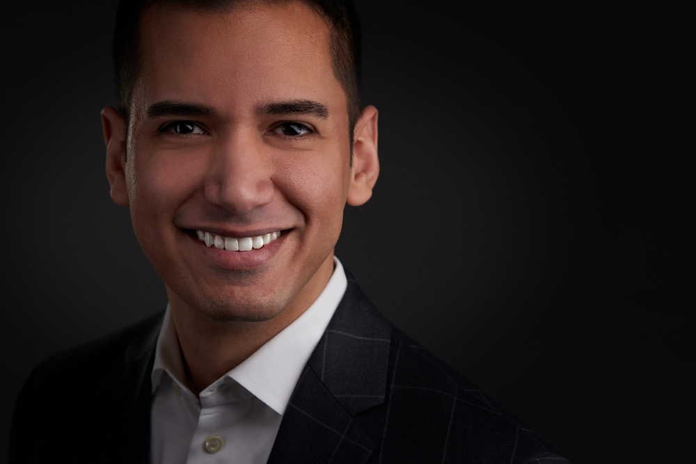 Mens professional headshots-LinkedIn Headshots | Torontoheadshotdotcom